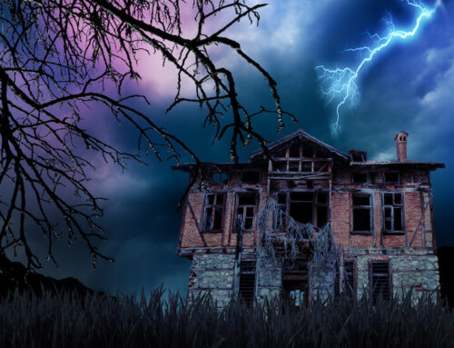 5 Scariest Haunted Attractions You Can Fly to This Fall